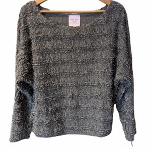 NWOT Romeo and Juliet Grey Textured Sweater Size M